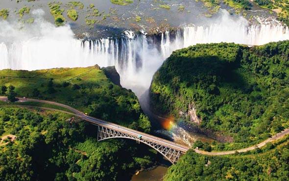 South-Africa-Victoria-Falls-590x370